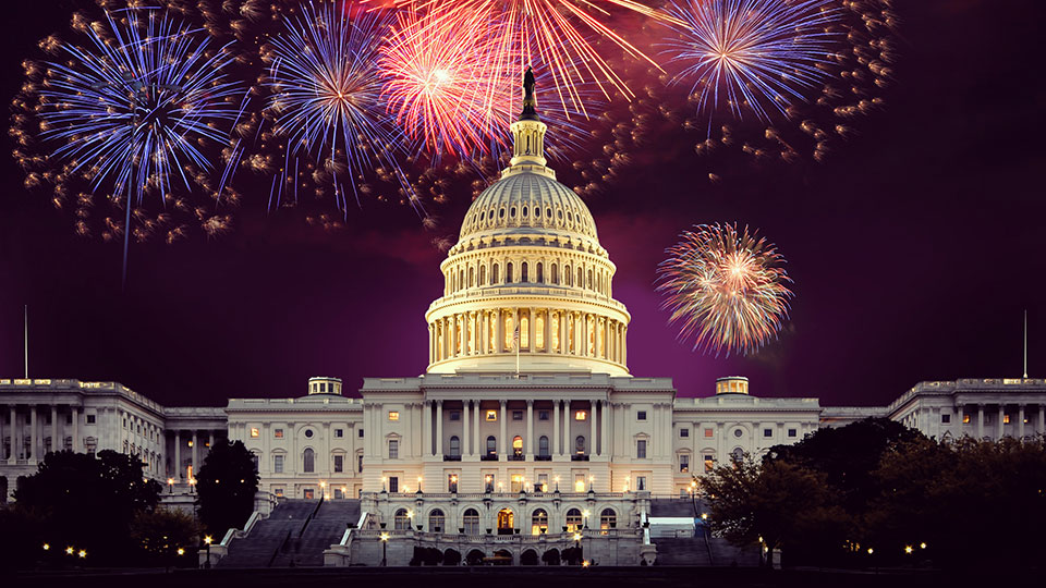 Photo of fireworks above the capitol building in Washington DC