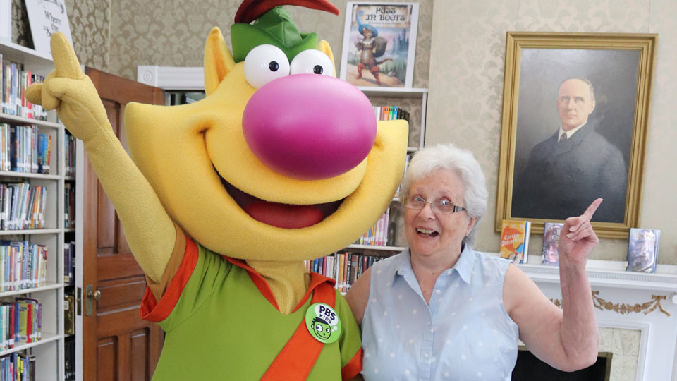 Nature Cat Visits Huntingdon Library