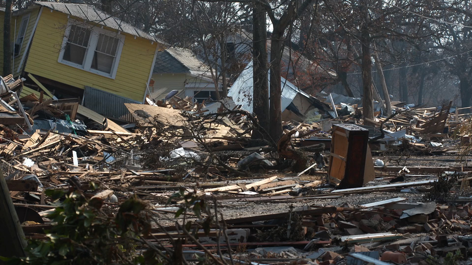 houses destroyed by hurricane winds